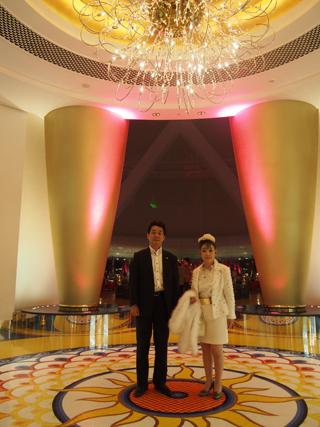 世界一の7ツ星ホテル(ブルジュ・アル・アラブ)で代表の還暦祝を行いました
